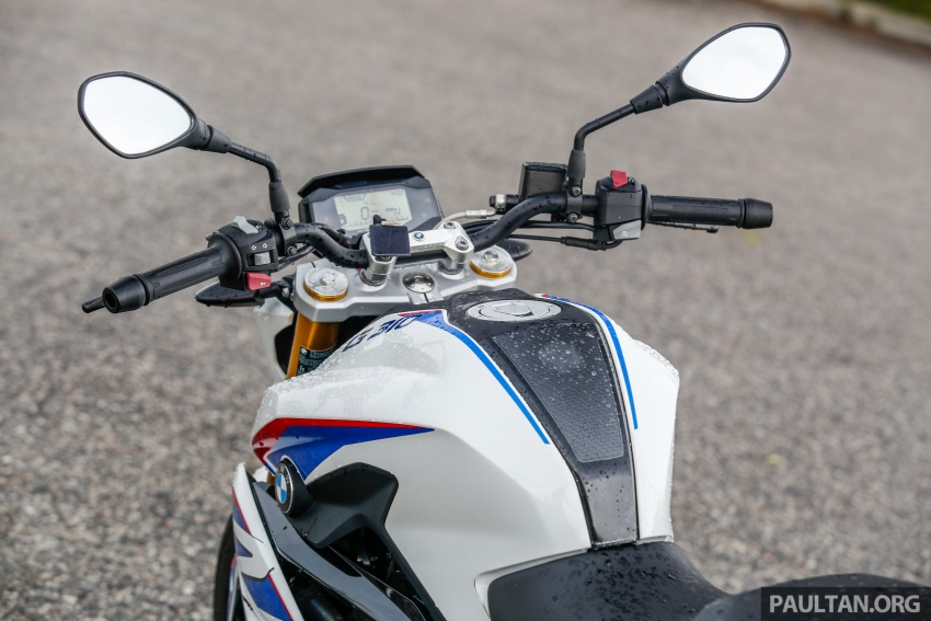 REVIEW: 2017 BMW Motorrad G310R in Malaysia – RM27k with ABS, but is it a proper BMW bike? Image #709565