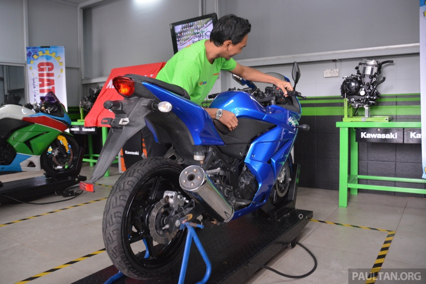 Kawasaki launches Superbike Training Programme Image #711324