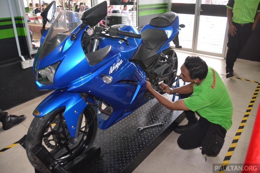 Kawasaki launches Superbike Training Programme Image #711326