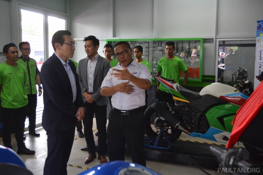 Kawasaki launches Superbike Training Programme Image #711331