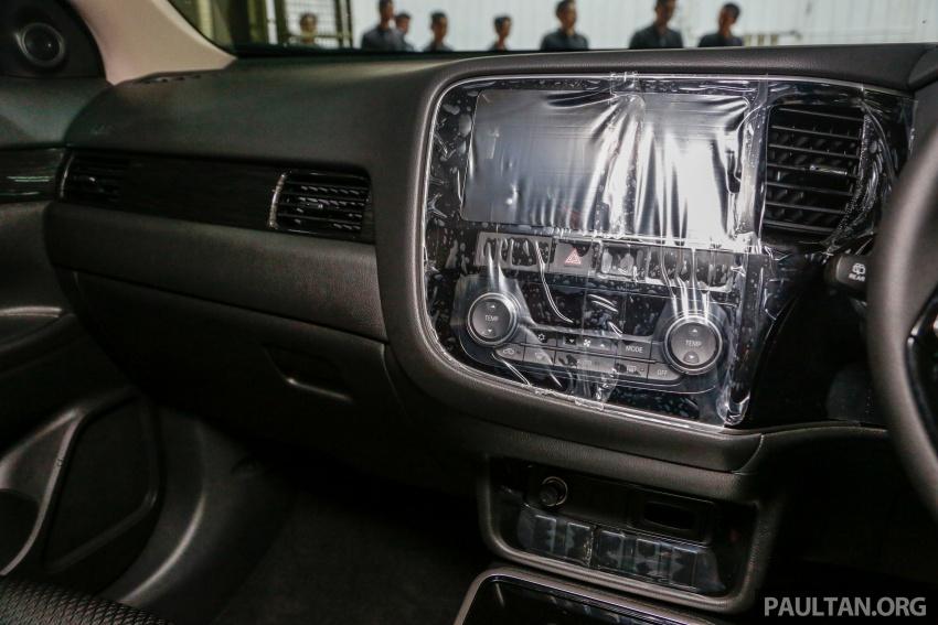 Mitsubishi Outlander 2.0 AWD CKD debuts – RM140k Image #710219