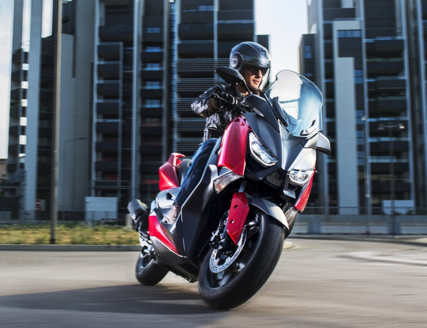 2018 Yamaha X-Max 125 scooter released in Europe Image #709939