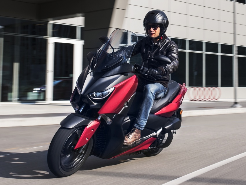 2018 Yamaha X-Max 125 scooter released in Europe Image #709941