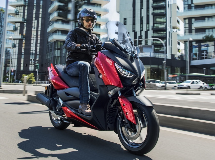 2018 Yamaha X-Max 125 scooter released in Europe Image #709942