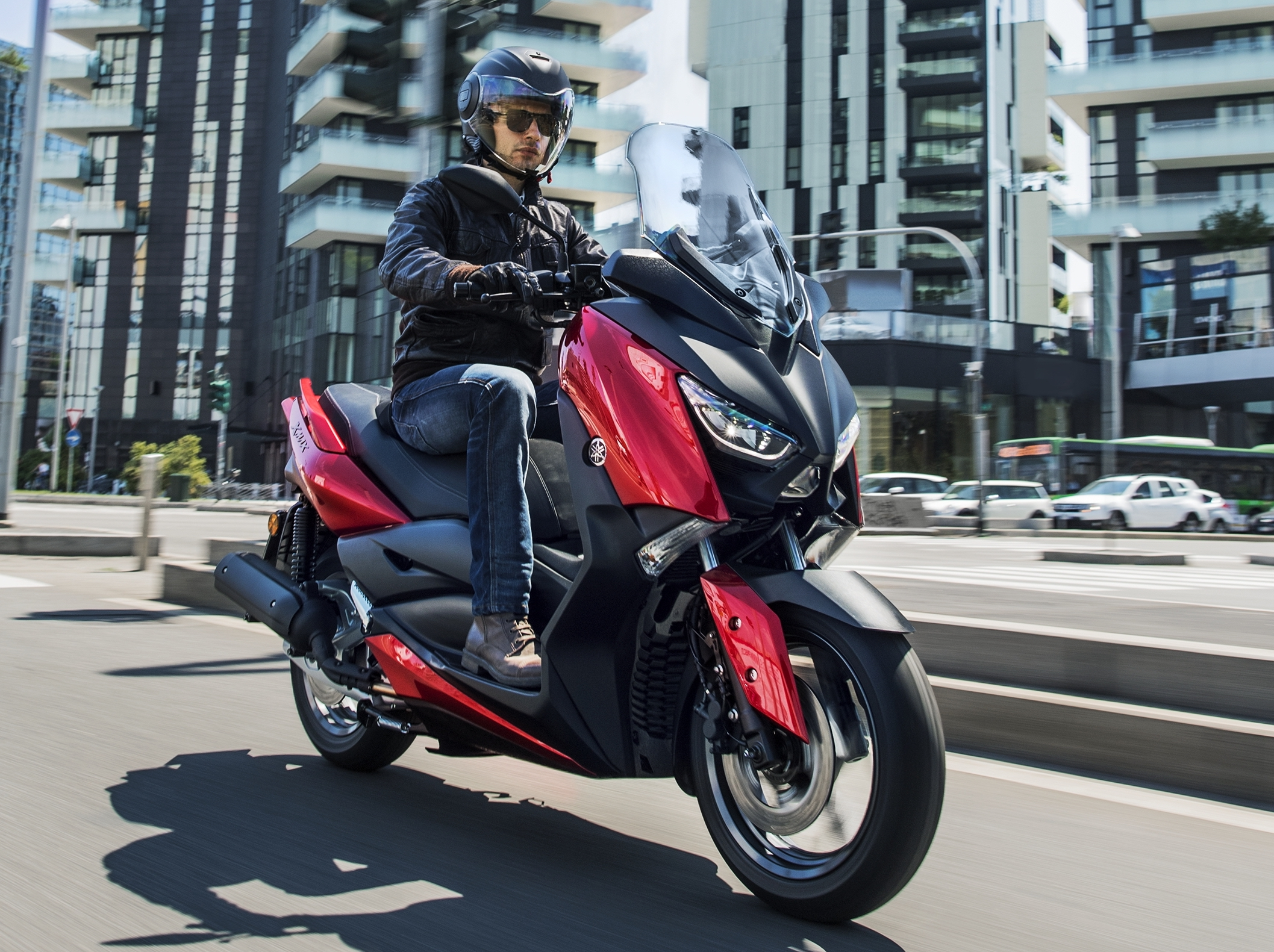 2018 yamaha x max 125 scooter released in europe image 709942. Black Bedroom Furniture Sets. Home Design Ideas