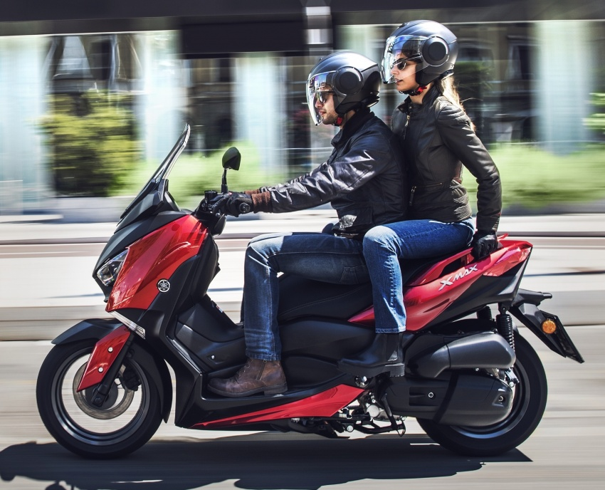 2018 Yamaha X-Max 125 scooter released in Europe Image #709943