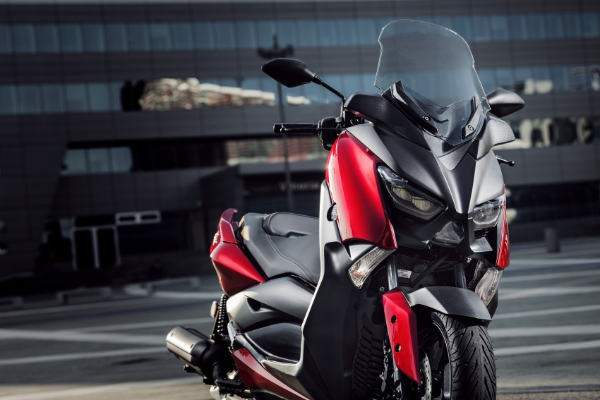 2018 Yamaha X-Max 125 scooter released in Europe Image #709944