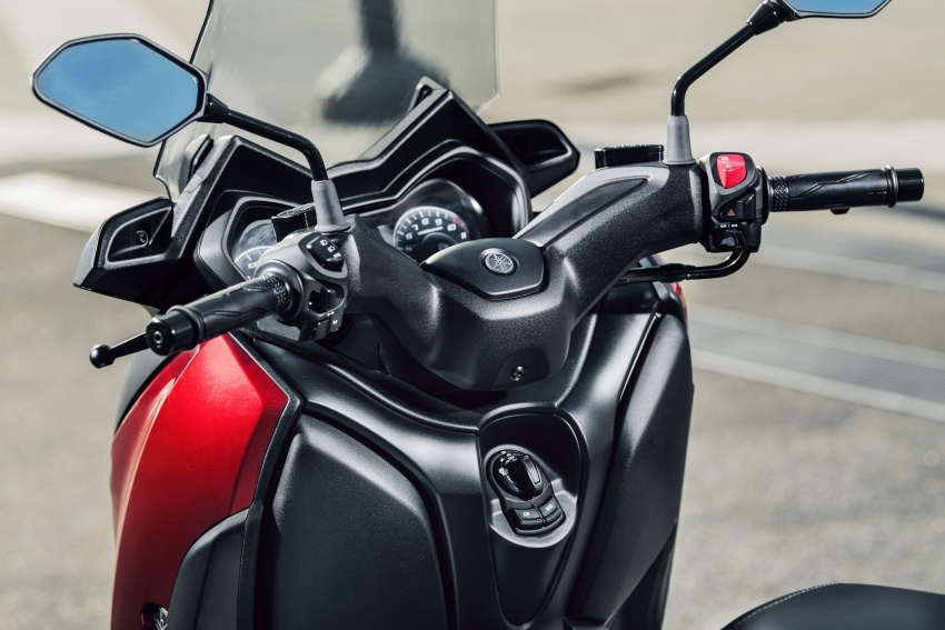 2018 Yamaha X-Max 125 scooter released in Europe Image #709958