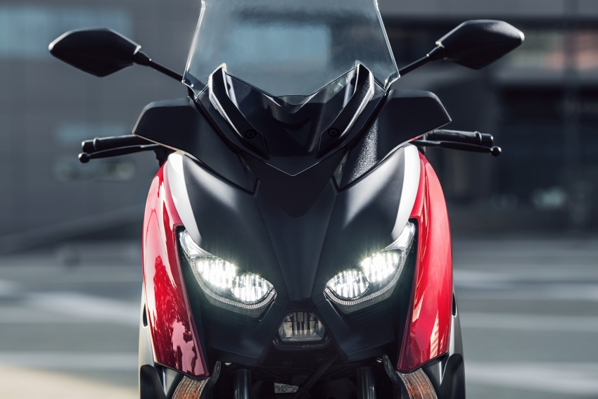 2018 Yamaha X-Max 125 scooter released in Europe Image #709987