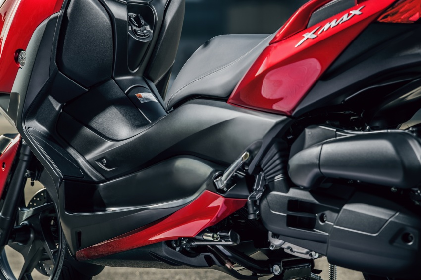 2018 Yamaha X-Max 125 scooter released in Europe Image #709988