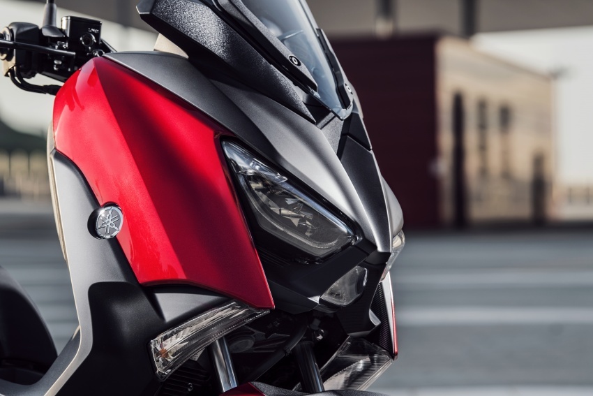 2018 Yamaha X-Max 125 scooter released in Europe Image #709992