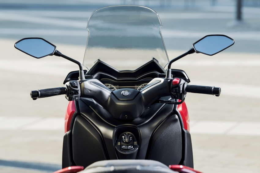 2018 Yamaha X-Max 125 scooter released in Europe Image #709994