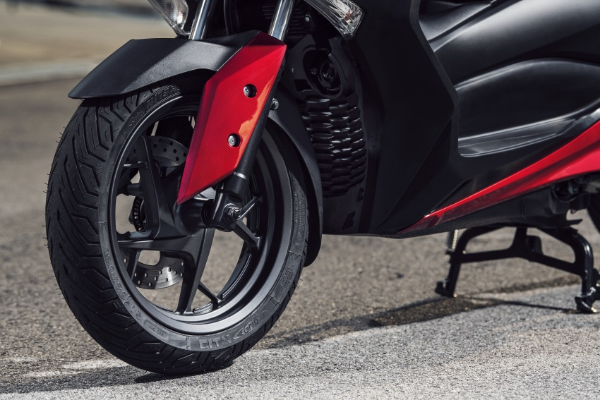 2018 Yamaha X-Max 125 scooter released in Europe Image #709996