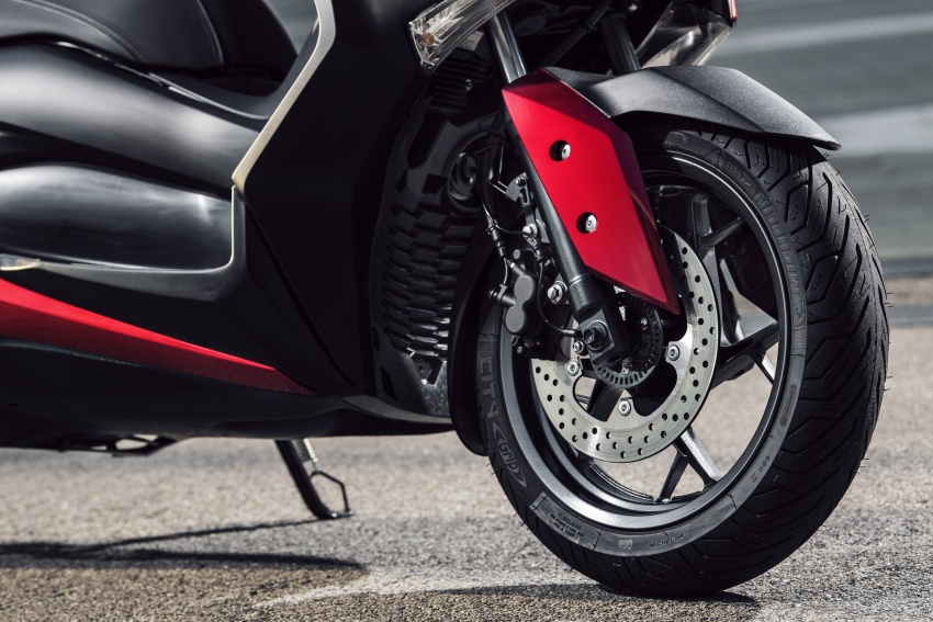 2018 Yamaha X-Max 125 scooter released in Europe Image #709949