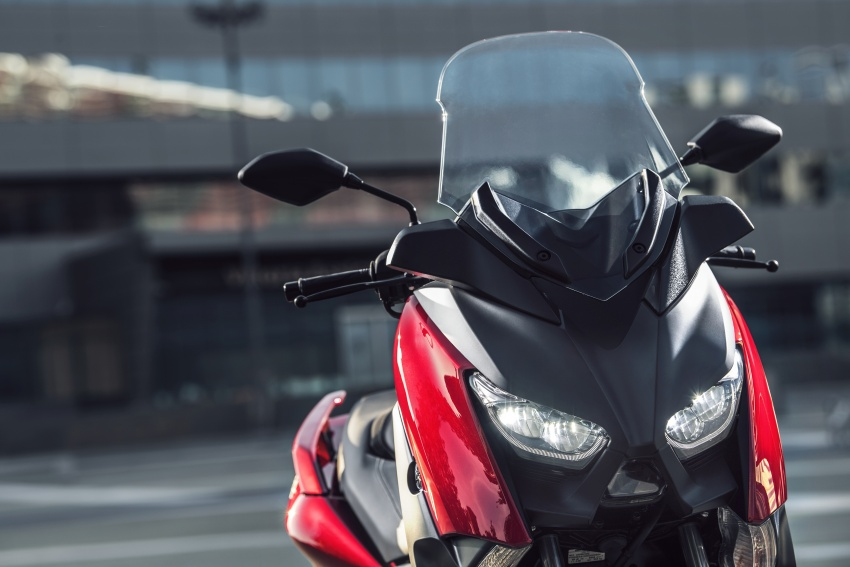2018 Yamaha X-Max 125 scooter released in Europe Image #709951
