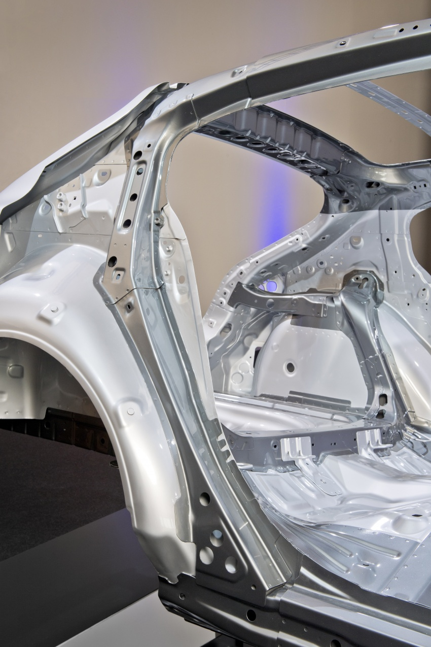 Mazda releases more details of new SkyActiv-X engine with compression ignition, next-gen Mazda 3 platform Image #707115