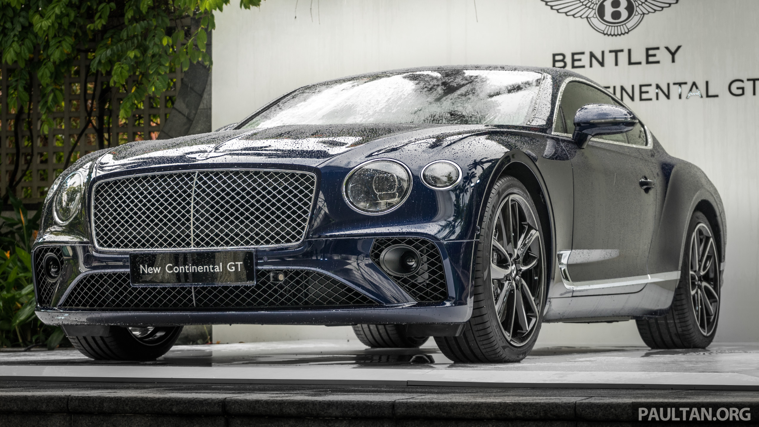 2018 bentley continental gt previewed in singapore. Black Bedroom Furniture Sets. Home Design Ideas