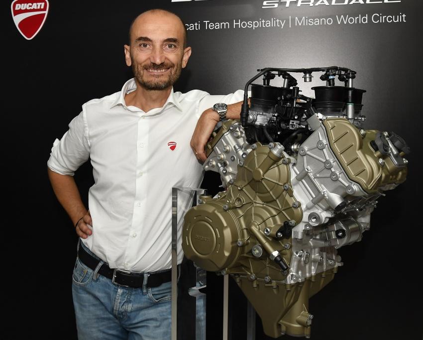 Ducati unveils new Desmosedici Stradale V-four Image #710524
