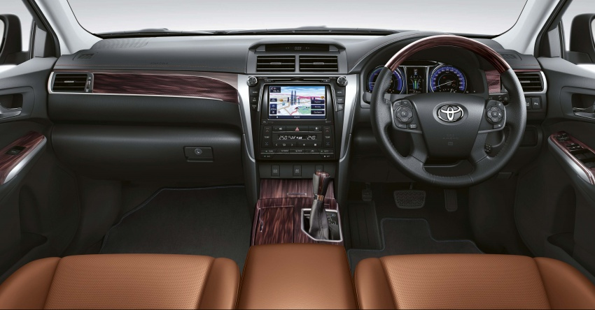 Toyota Camry updated in Malaysia – new interior trim at no extra cost, plus more optional accessories Image #706256