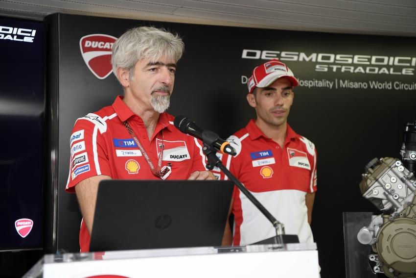 Ducati unveils new Desmosedici Stradale V-four Image #710496