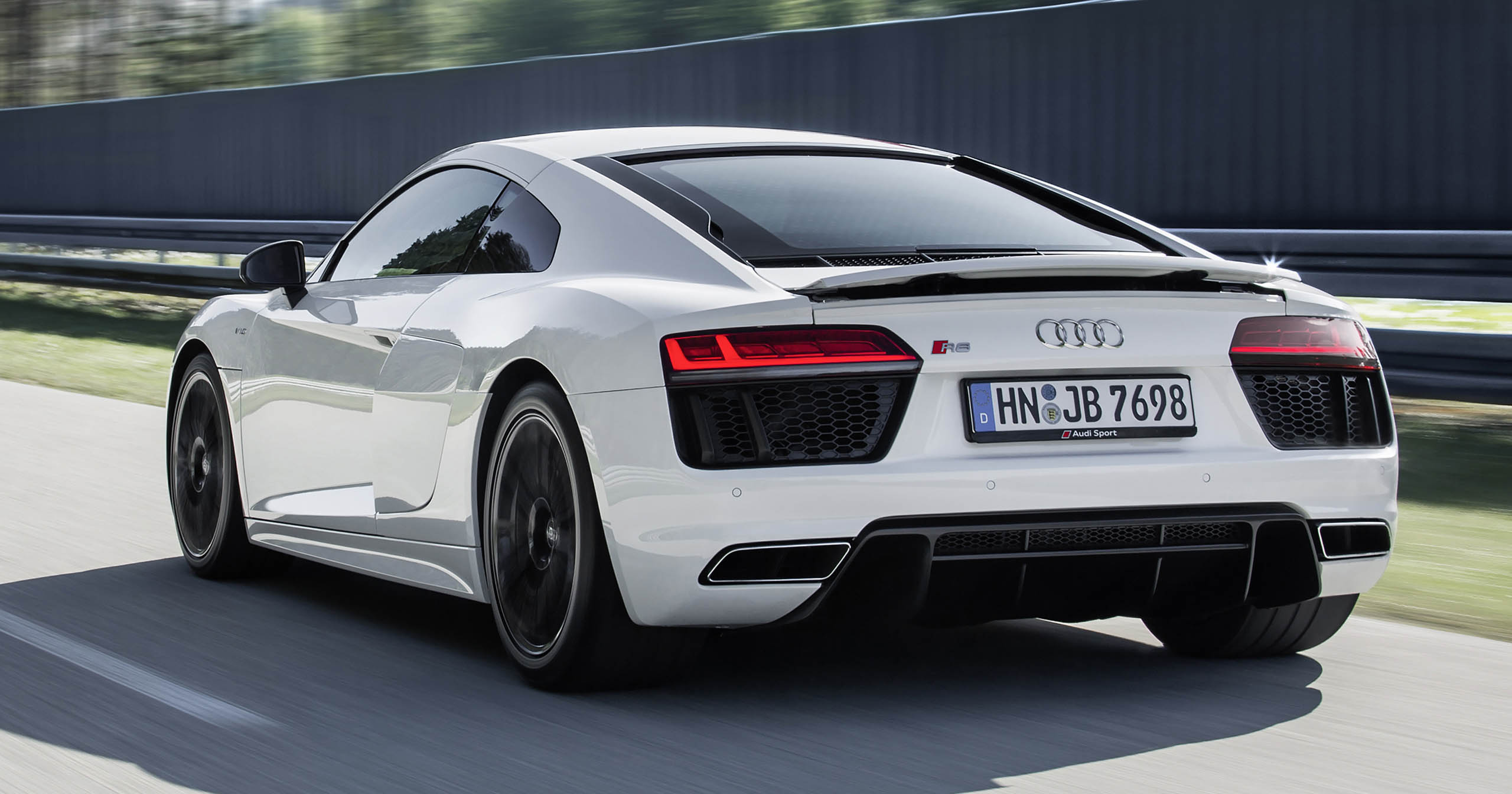 While The Engine May Be The Same, The R8 V10 RWS Coupe Is 50 Kg Lighter  Than The Regular R8, Largely Thanks To The Removal Of AWD Bits Like The  Propshaft, ...