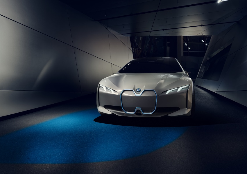 BMW i Vision Dynamics makes debut in Frankfurt – previews new model positioned between i3 and i8 Image #709104