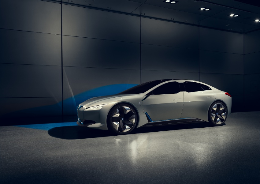 BMW i Vision Dynamics makes debut in Frankfurt – previews new model positioned between i3 and i8 Image #709108