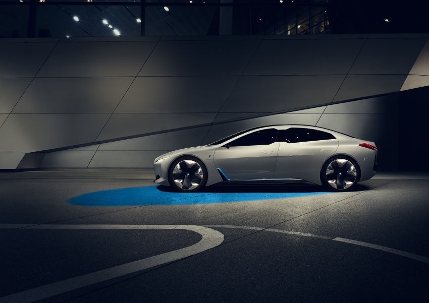 BMW i Vision Dynamics makes debut in Frankfurt – previews new model positioned between i3 and i8 Image #709110
