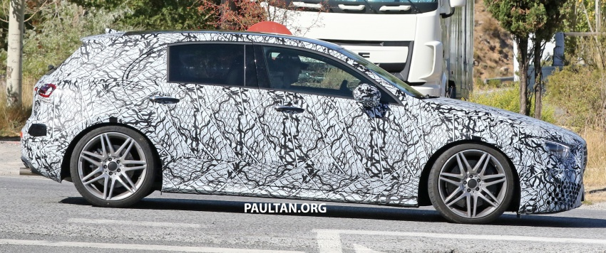 SPIED: 2018 Mercedes-AMG A45 looks ready to rumble Image #713726