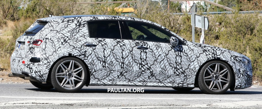 SPIED: 2018 Mercedes-AMG A45 looks ready to rumble Image #713727