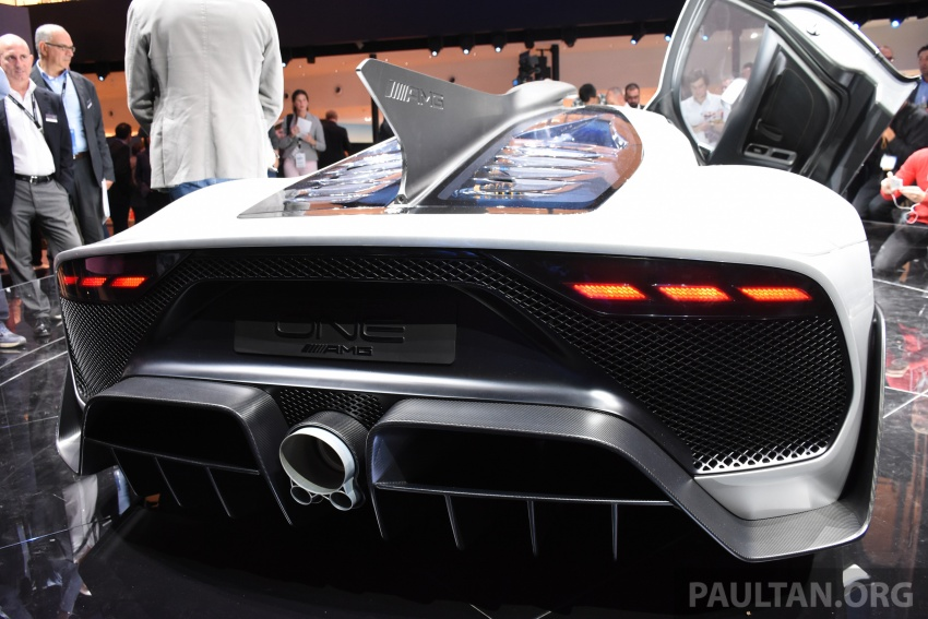 Mercedes-AMG Project One hypercar finally unveiled – sub-6 seconds 0-200 km/h, top speed over 350 km/h Image #708564