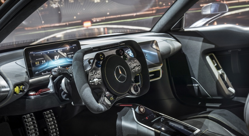 Mercedes-AMG Project One hypercar finally unveiled – sub-6 seconds 0-200 km/h, top speed over 350 km/h Image #708833