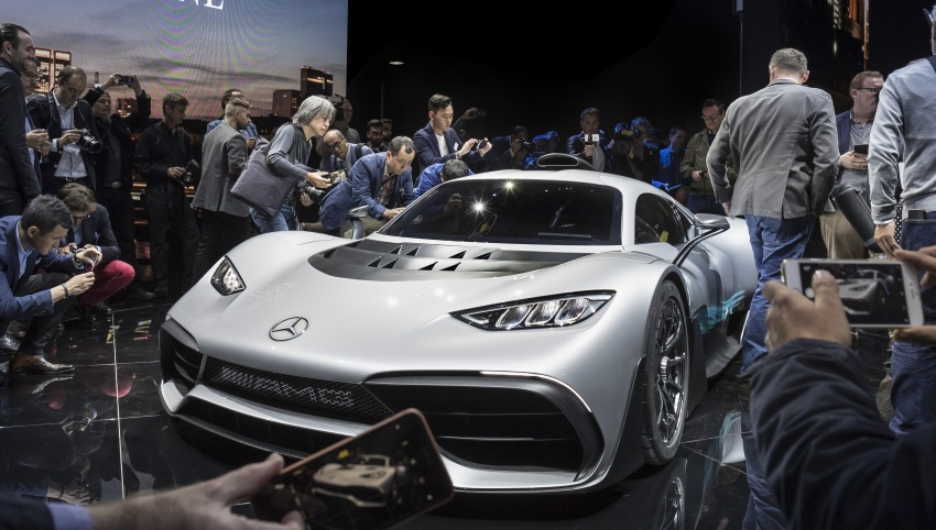 Mercedes-AMG Project One hypercar finally unveiled – sub-6 seconds 0-200 km/h, top speed over 350 km/h Image #708782