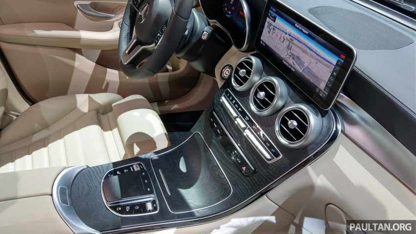 W205 Mercedes-Benz C-Class facelift interior previewed by GLC F-Cell? Here's what to expect Image #710601