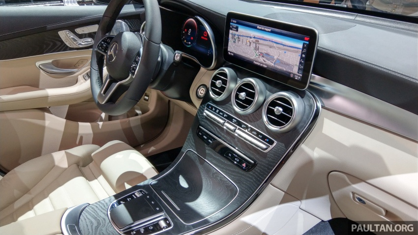 W205 Mercedes-Benz C-Class facelift interior previewed by GLC F-Cell? Here's what to expect Image #710602