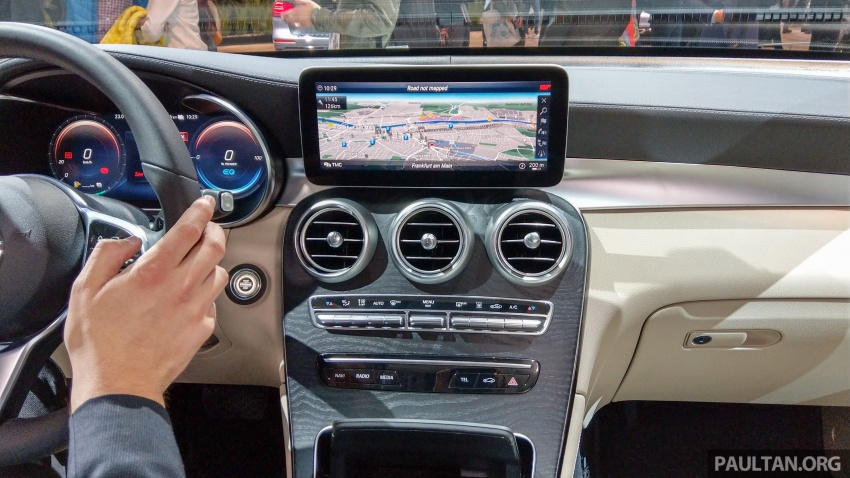 W205 Mercedes-Benz C-Class facelift interior previewed by GLC F-Cell? Here's what to expect Image #710599