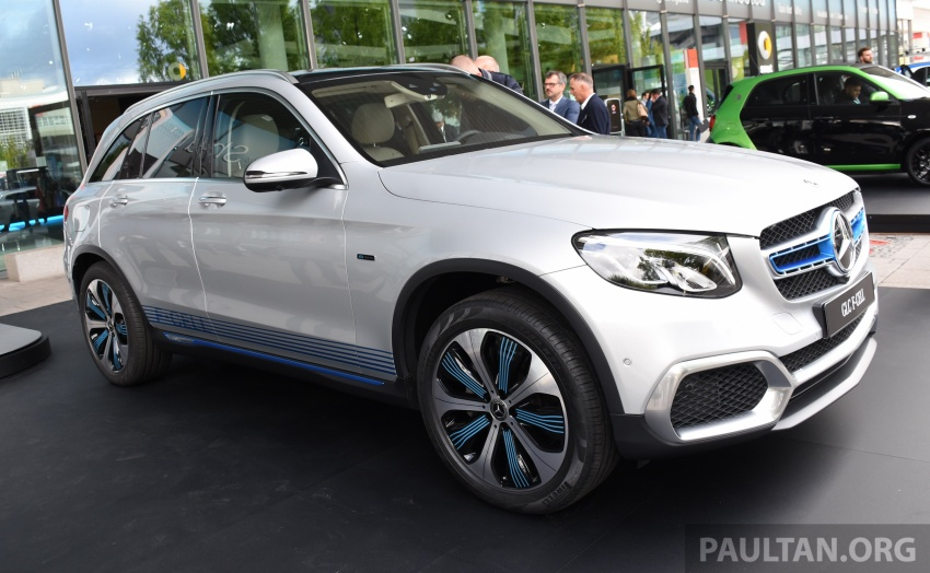 Mercedes-Benz GLC F-Cell revealed in pre-production form at Frankfurt show – two electric energy sources Image #710436