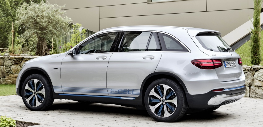 Mercedes-Benz GLC F-Cell revealed in pre-production form at Frankfurt show – two electric energy sources Image #710364