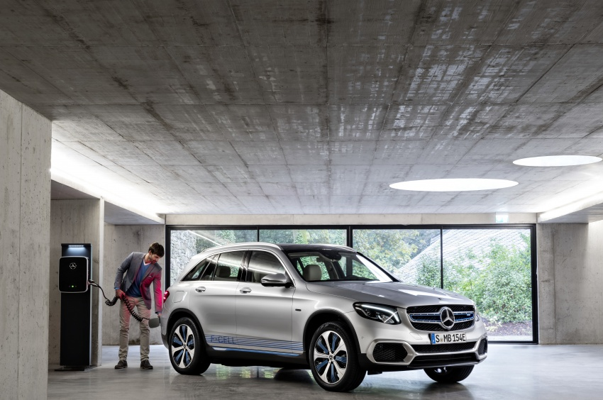 Mercedes-Benz GLC F-Cell revealed in pre-production form at Frankfurt show – two electric energy sources Image #710368