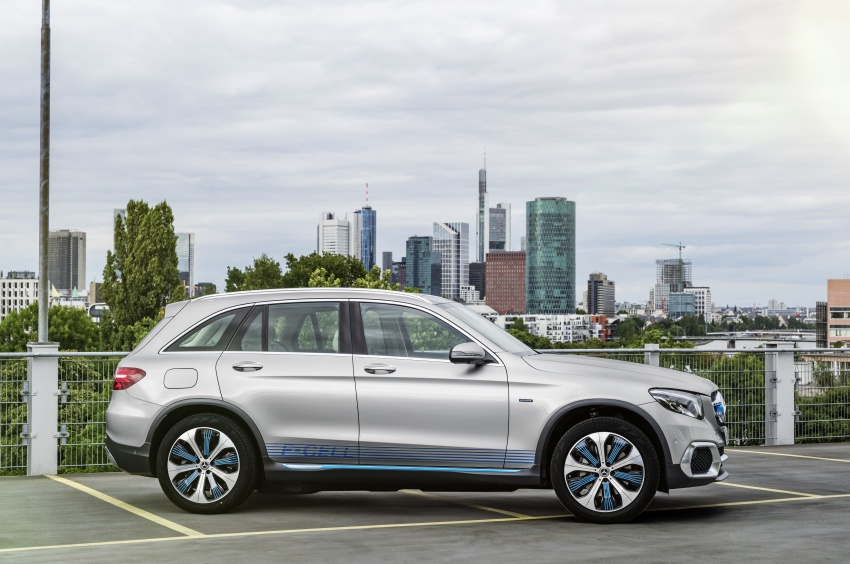Mercedes-Benz GLC F-Cell revealed in pre-production form at Frankfurt show – two electric energy sources Image #710377