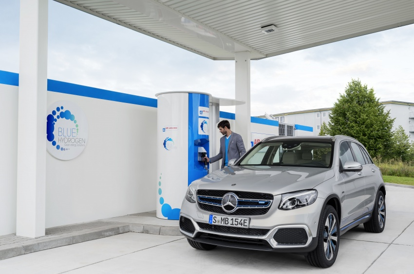 Mercedes-Benz GLC F-Cell revealed in pre-production form at Frankfurt show – two electric energy sources Image #710356