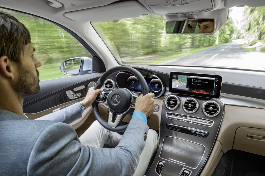 Mercedes-Benz GLC F-Cell revealed in pre-production form at Frankfurt show – two electric energy sources Image #710380