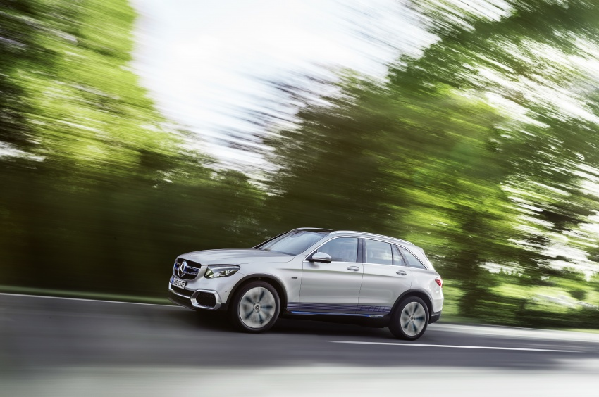 Mercedes-Benz GLC F-Cell revealed in pre-production form at Frankfurt show – two electric energy sources Image #710384
