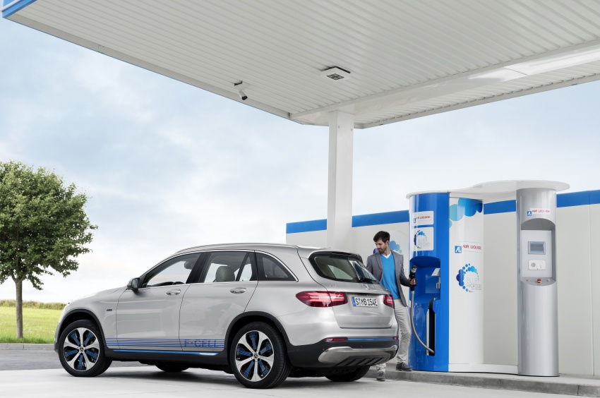 Mercedes-Benz GLC F-Cell revealed in pre-production form at Frankfurt show – two electric energy sources Image #710358