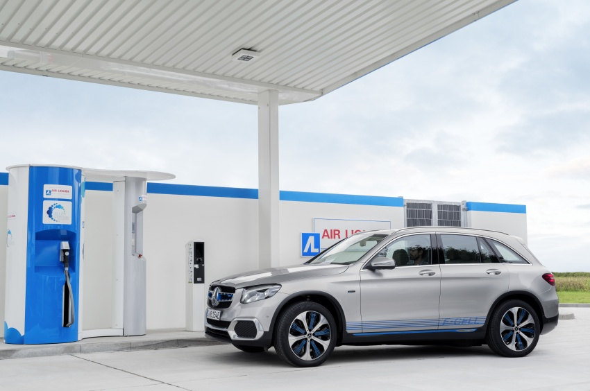 Mercedes-Benz GLC F-Cell revealed in pre-production form at Frankfurt show – two electric energy sources Image #710359