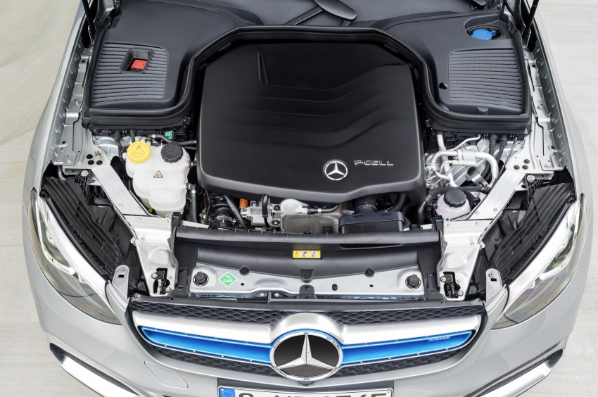 Mercedes-Benz GLC F-Cell revealed in pre-production form at Frankfurt show – two electric energy sources Image #710360