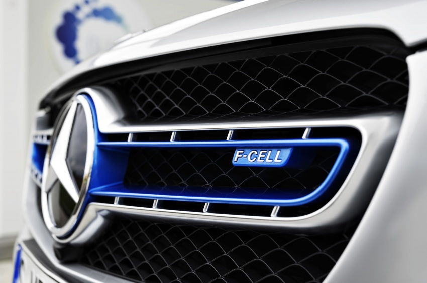 Mercedes-Benz GLC F-Cell revealed in pre-production form at Frankfurt show – two electric energy sources Image #710361