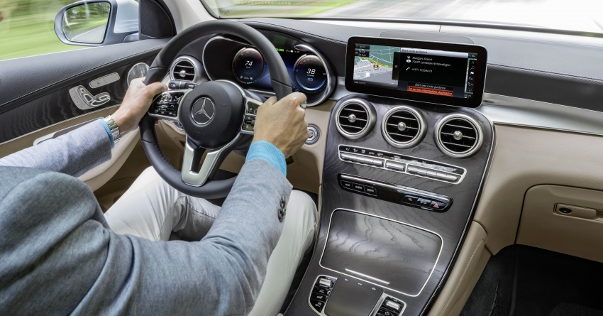 W205 Mercedes-Benz C-Class facelift interior previewed by GLC F-Cell? Here's what to expect Image #710540