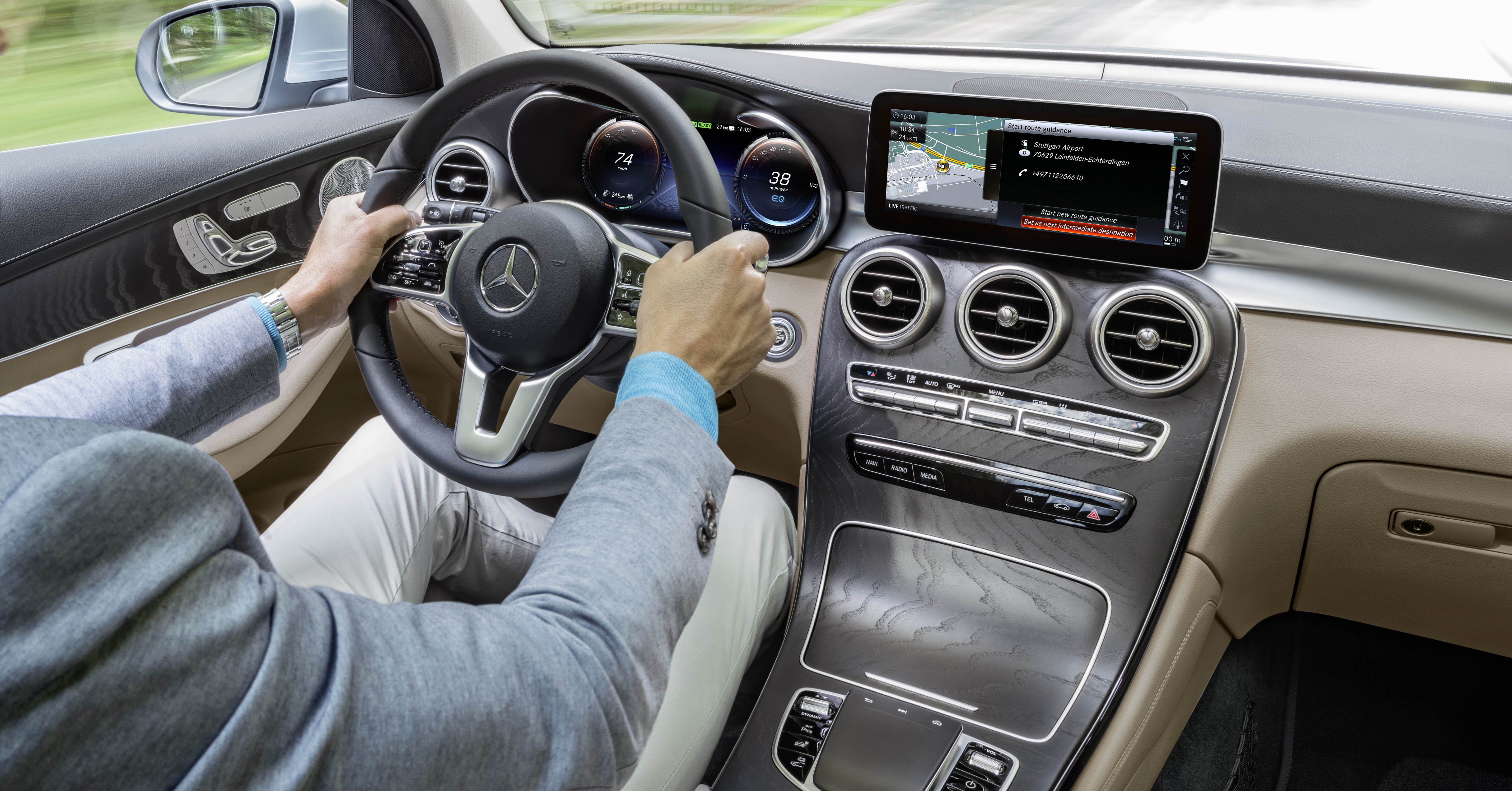 W205 Mercedes Benz C Class Facelift Interior Previewed By GLC F Cell?
