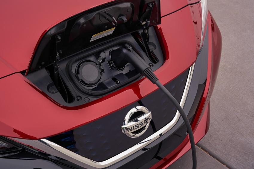 Nissan Leaf 2018 punya lebih teknologi dan bergaya Image #706398
